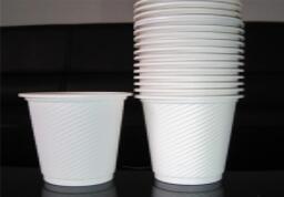 一次性环保纸杯变得越来越受欢迎